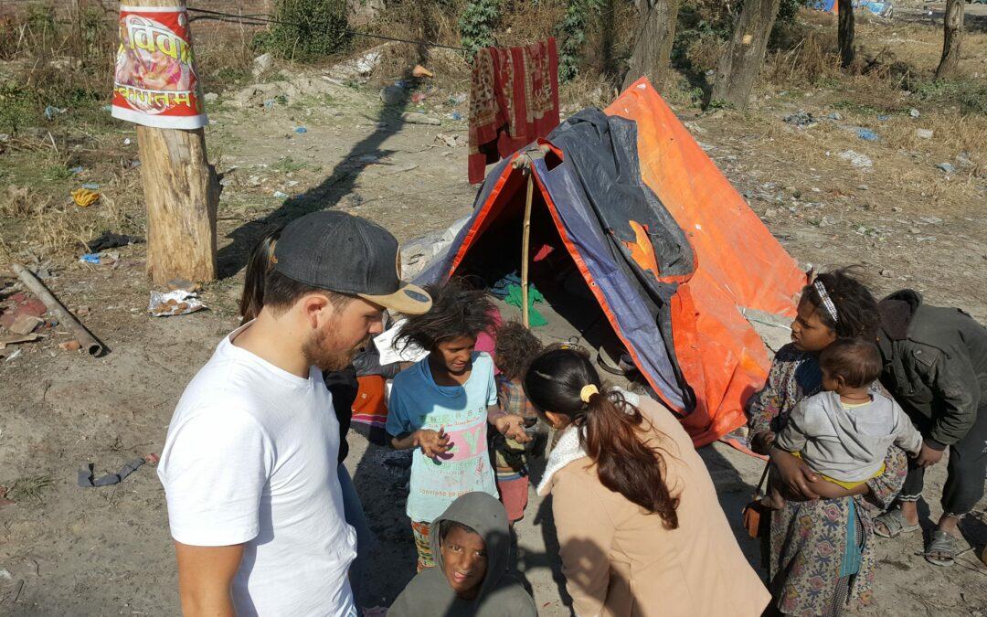 Familien in Zelten